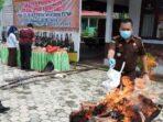 Kejaksaan Negeri Pelalawan Musnahkan 4,77 Gram Sabu-Sabu