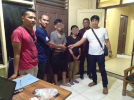Sepasang Kekasih Ditangkap Polisi