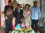 Keluarga Suka Berterima Kasih Atas Kehadiran Bupati Dan Wabup Di Resepsi Pernikahan