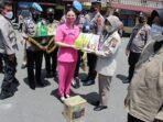 Menyambut Idul Fitri, Kapolres Siantar dan Ketua Bhayangkari Beri Paket Lebaran