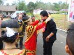 Bupati Nisbar Hadiri Doa Syukuran Adat Atas Pernikan Di Desa Hilimbaruzo