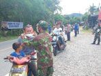 Jelang Lebaran, TNI Polri di Abdya Bagi-bagi Masker dan Perketat Jalur Mudik