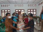 BLT Disalurkan Kepada Keluarga Dampak Covid 19 di Desa Wangö
