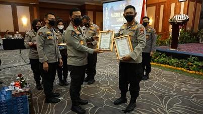 Humas Polda Jatim Raih 2 Kategori Penghargaan dari Div Humas Polri