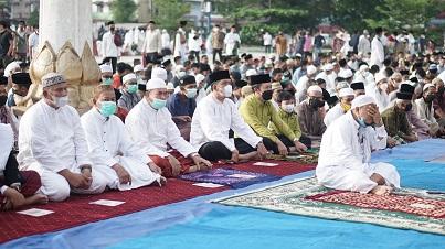 Pemko Tanjung Balai Laksanakan Prokes Dalam Sholat Idul Adha