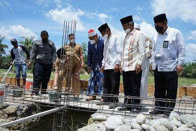 Bupati Asahan Letakkan Batu Pertama Gedung II Pondok Pesantren Bina Ulama