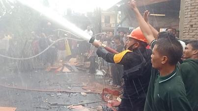 12 Rumah dan Kantor KUA Desa Subulussalam Terbakar