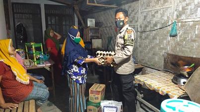 Kapolsek Kota Kisaran Salurkan bantuan Sembako dan Masker