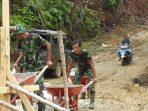 Semangat Personel Pra TMMD Bangun Jembatan Desa Darussalam Pantang Surut