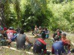 Indahnya Kebersamaan TNI Bersama Masyarakat Desa Darussalam